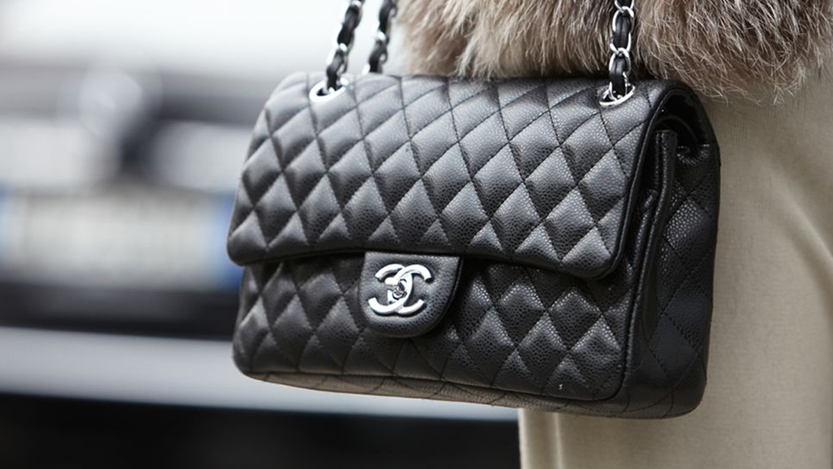 Chanel Handbags 101 : Everything you'll need to know